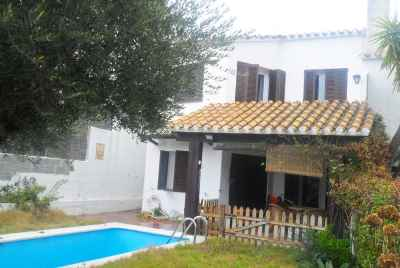 4 bedroom house with a pool on Maresme Coast
